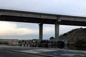 Le 10/11/15: Daurades et pêche illégale sous le pont de la Corrège à Leucate